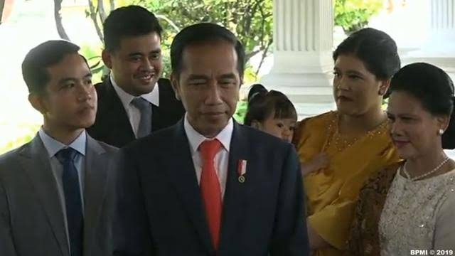 <i>Damn I Love Indonesia!</i> Bapak Presiden, Anak dan Menantu Wali Kota