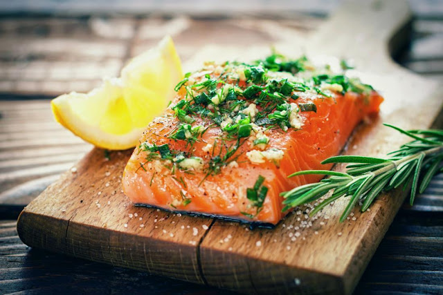 Salmon During Pregnancy - Health Benefits, Risks