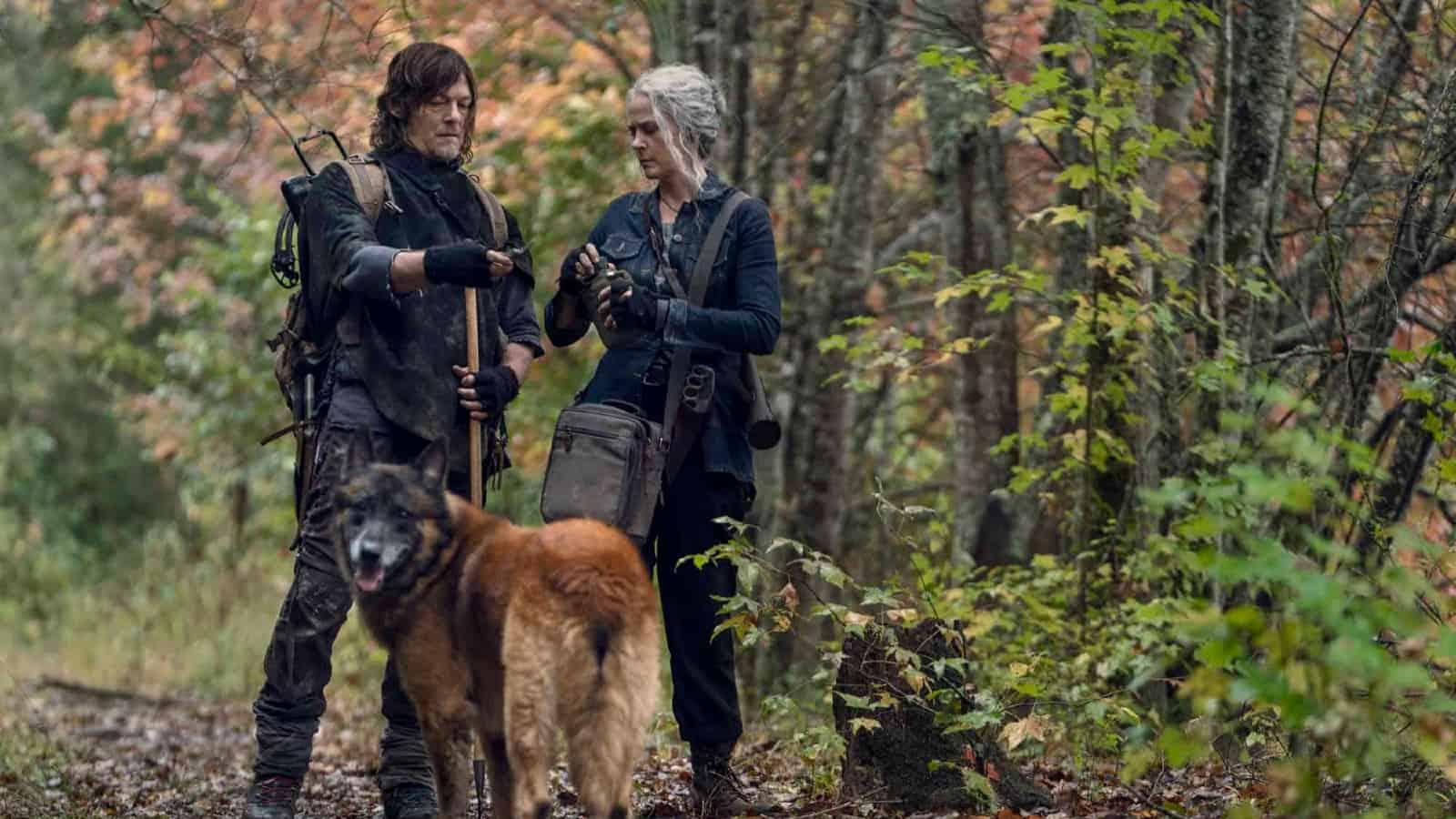 Daryl, Carol y Dog se van de caza en The Walking Dead
