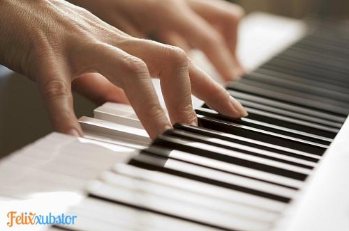 5 Tip Penting untuk Belajar Piano Otodidak