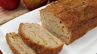 CARAMELIZED APPLE BREAD WITH CINNAMON SUGAR