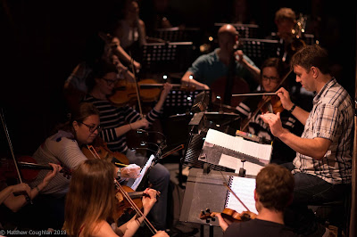 Wagner: Die Meistersinger - Ben Woodward and the orchestra in rehearsal - Fulham Opera (Photo Matthew Couglan)