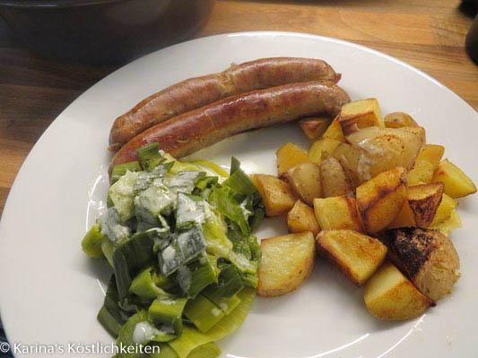 Bratwurst mit Ofenkartoffeln aus Ofenhexe und Zauberstein von Pampered Chef