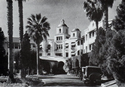 Out And About The Beverly Hills Hotel Glamamor