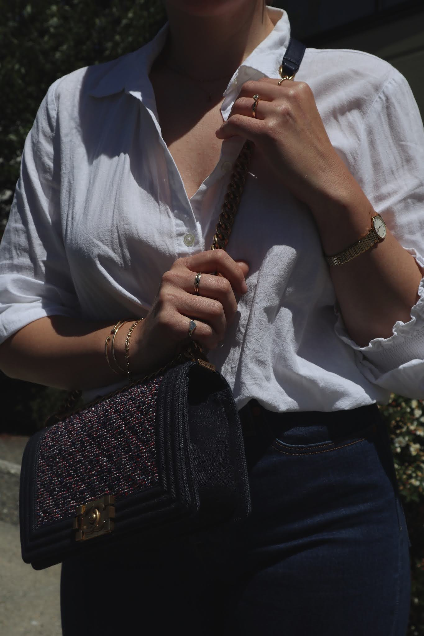 white shirt jeans outfit chanel boy bag summer