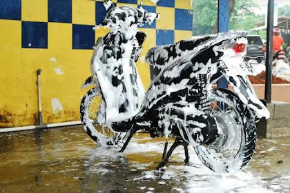8 Teknik Cuci Motor Matic Ataupun Kopling Hingga Bersih