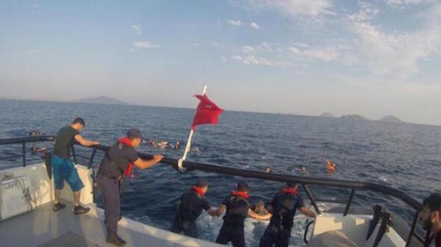 فيديو.. خفر السواحل التركي يحتجز 29 سورياً في طريقهم إلى اليونان