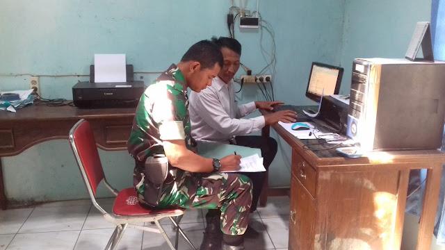 Babinsa Kuncen Cek Data Jumlah Penduduk Desa Binaan
