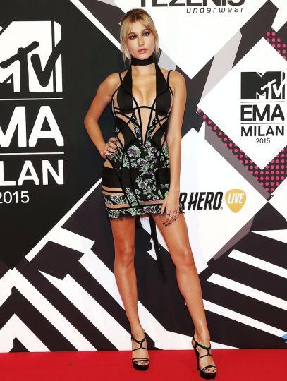 Hailey Baldwin ultra hot aux MTV EMA