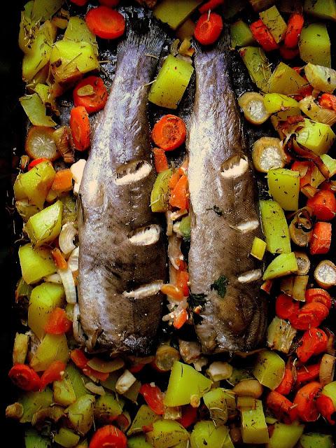 Ryba faszerowana fetą i oliwkami