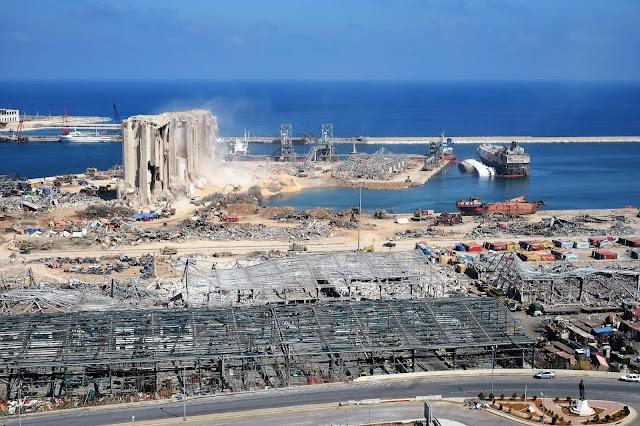 Porto di Beirut in Libano dopo l'esplosione
