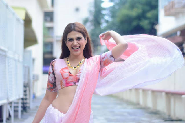 Actress Shraddha Das Very Hot in Light Pink Saree Photos Collection Actress Trend