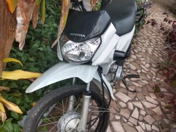 Em Delmiro Gouveia, moto com registro de roubo é recuperada pela polícia militar