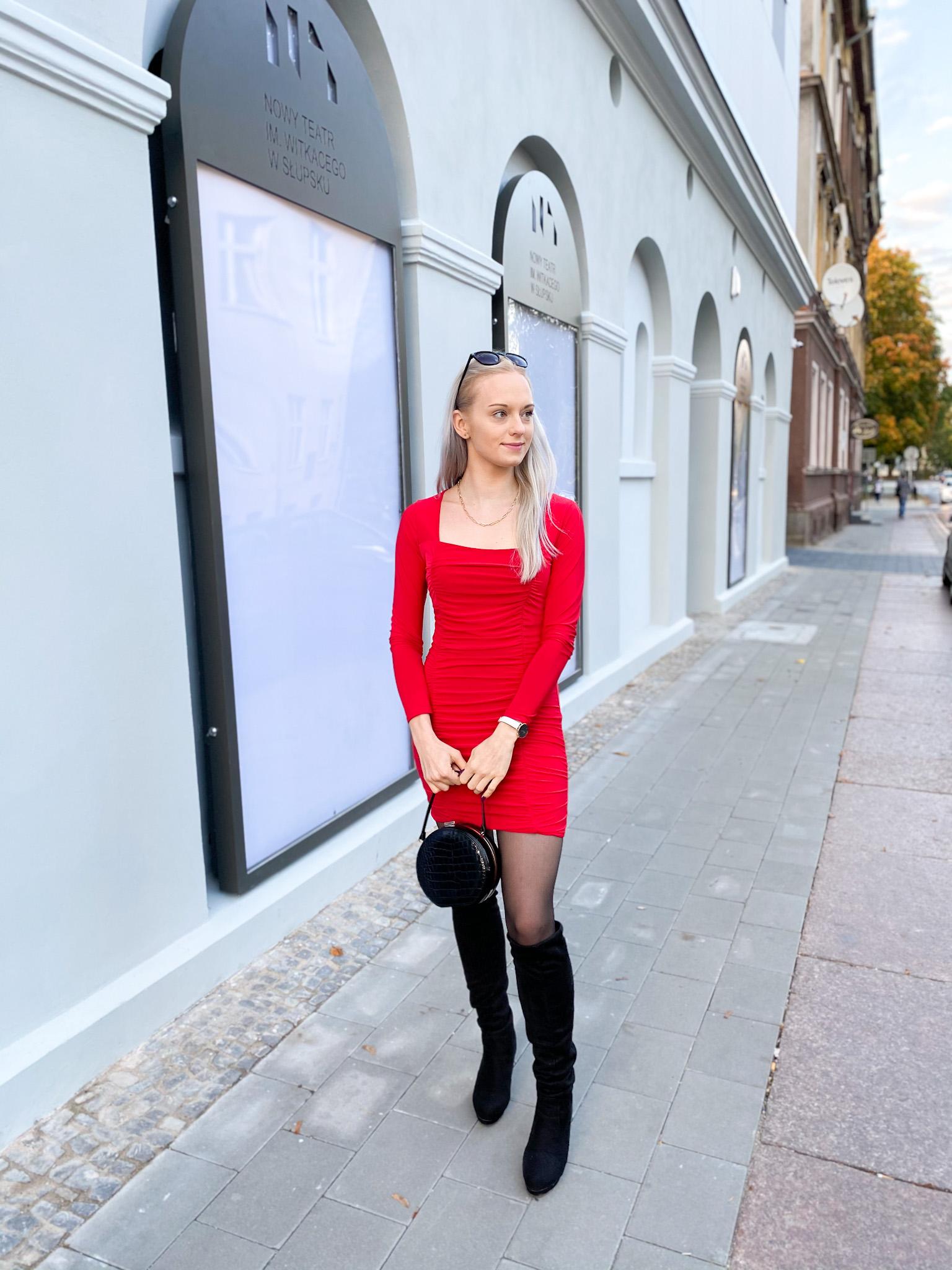 Red Square Neck Ruched Bodycon Mini Dress - Gina