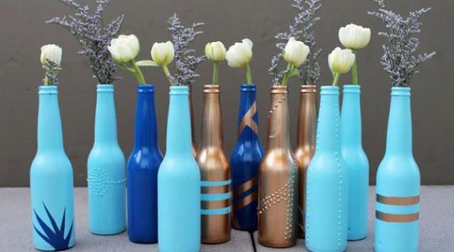 Botol Kaca Bekas yang Ditanam Secara Artistik