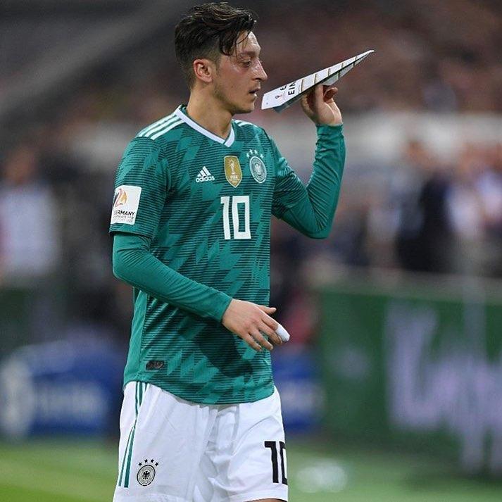 A seleção alemã terá alguns desfalques importantes para o amistoso de terça-feira  diante do Brasil 100744530b1a0