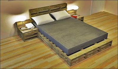 cama de casal feita de pallets