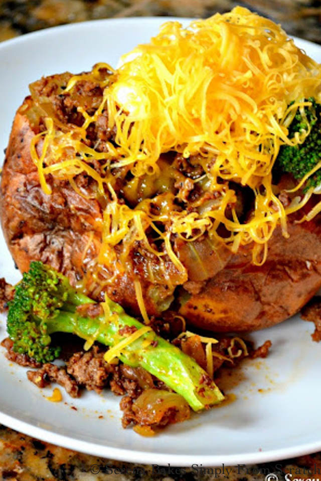 Easy Fully Loaded Baked Potatoes are an easy, filling dinner, the whole family will love!