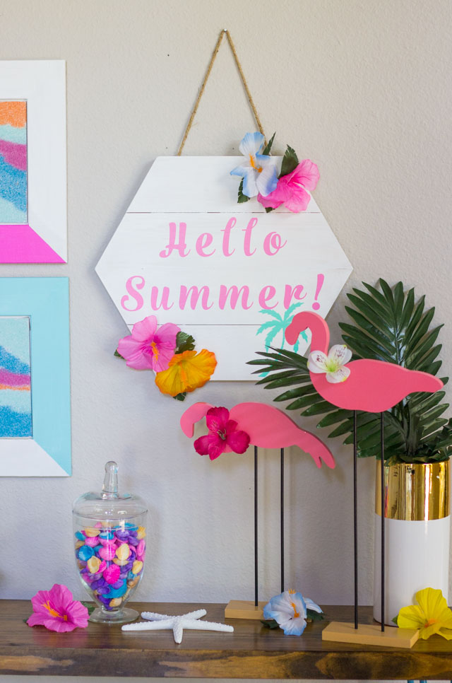 DIY Hello Summer wood sign #hellosumer #summerdecor #summercrafts