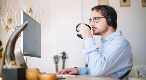 Ini 7 Cara Kerja Dari Rumah Namun Tetap Menghasilkan Uang
