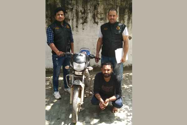 faridabad-crime-branch-sector-65-arrested-amit-motorcycle-chor