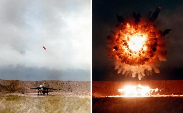 Hình ảnh một khối khí trên bầu trời và chiếc máy bay của hải quân Mỹ, và sau đó nó đã phát nổ.