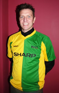 Lee Sharpe Supports Green & Gold for Charity