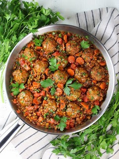 MOROCCAN LENTILS WITH TURKEY MEATBALLS