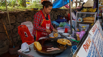 Sandwich stall in Vang Vieng