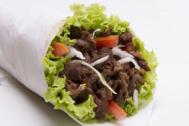 beef gyro with lettuce and tomato