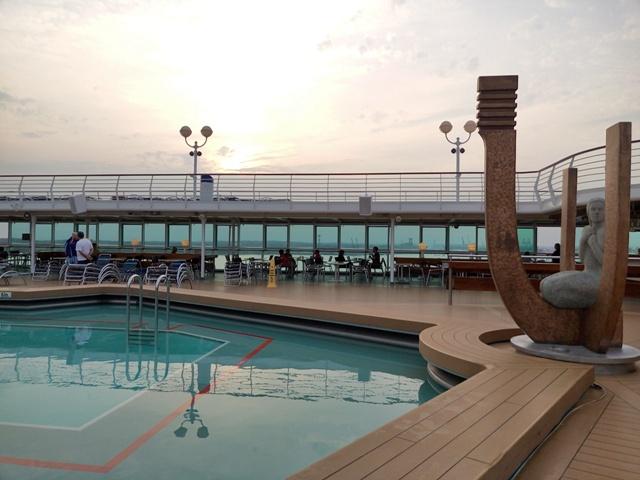 Piscina del barco Monarch