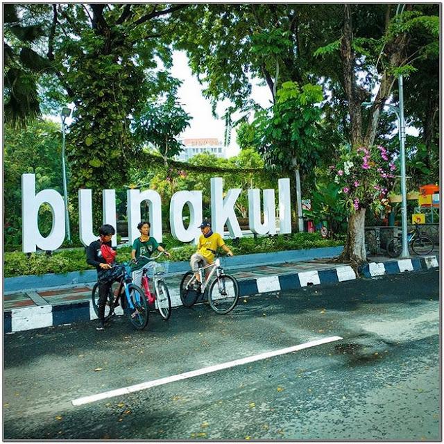Taman Bungkul;10 Top Destinasi Wisata Surabaya;