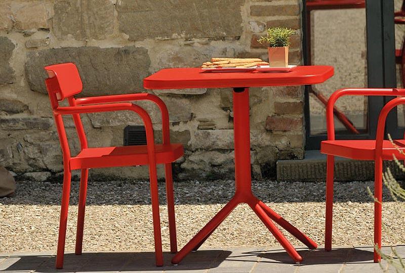 Idee per arredare un outdoor piccolo soluzioni pieghevoli for Applicazioni per arredare interni