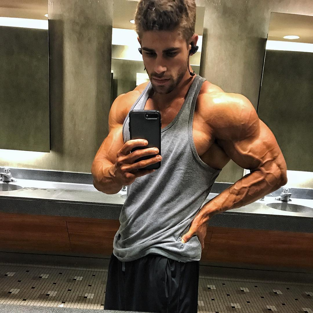 hunks-strong-veiny-arms-selfie-young-straight-bro-big-biceps