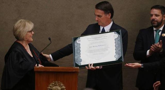"""Bolsonaro é diplomado e fala em """"compromisso com voto popular"""""""