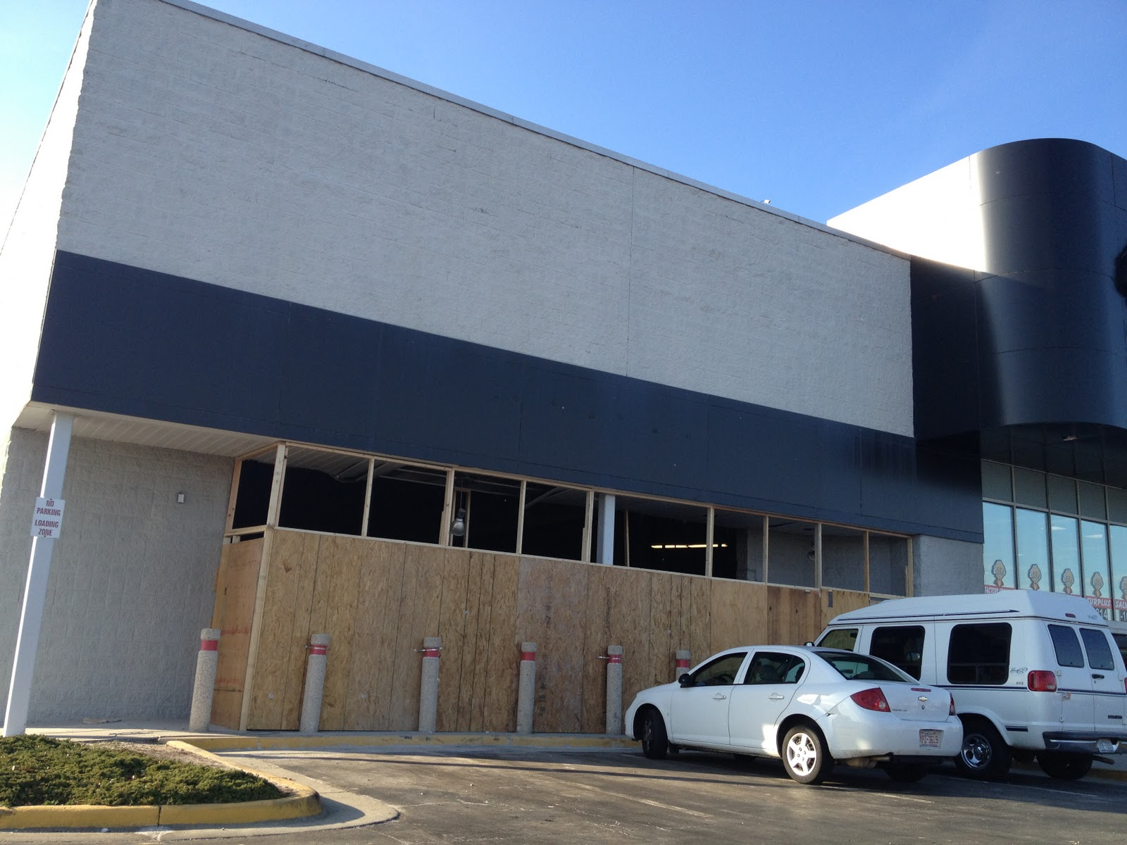 Dead and Dying retail: Ollie's Bargain Outlet in Greensboro