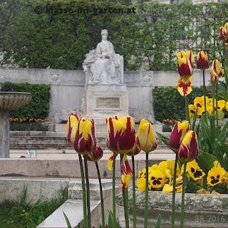 Das 'Sisi'-Denkmal im einzigen Jugenstilgarten Wiens