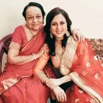 Kishori Shahane with her mother
