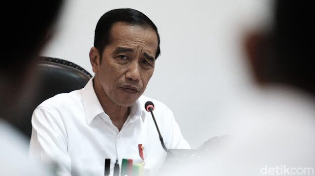 Mantu Gus Mus Tanya ke Jokowi: 'What Do You Want?'