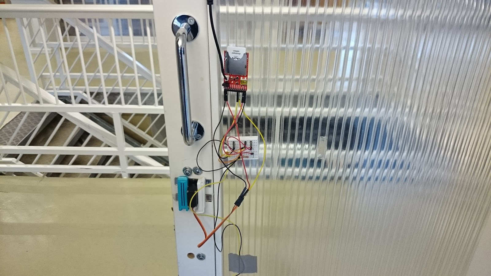 Electric imp automatic door lock - Projects - Electric Imp Forums