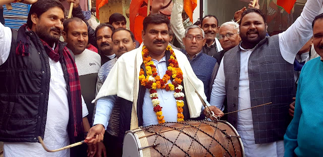 On BJP's victory in Jind, Chairman Surendra Tawatia played a lot of drums, distributed laddu