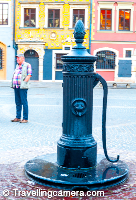 While walking around the Market Square of Old Town in Warsaw, it's important to be more observant as there are plenty of old things around streets of Old Town. Above photograph shows one of the hand-pumps from old times, which were used for taking out water.