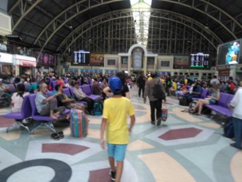 タイ国鉄フワランポーン駅
