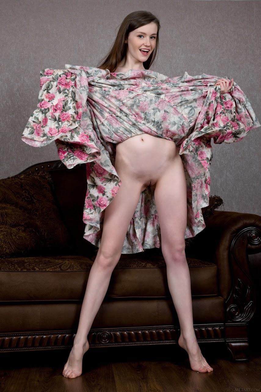 [Met-Art] Emily Bloom - ThianReal Street Angels