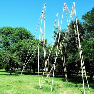 Escultura Mangrullos, de Julio Pérez Sanz - Parque Marinha do Brasil