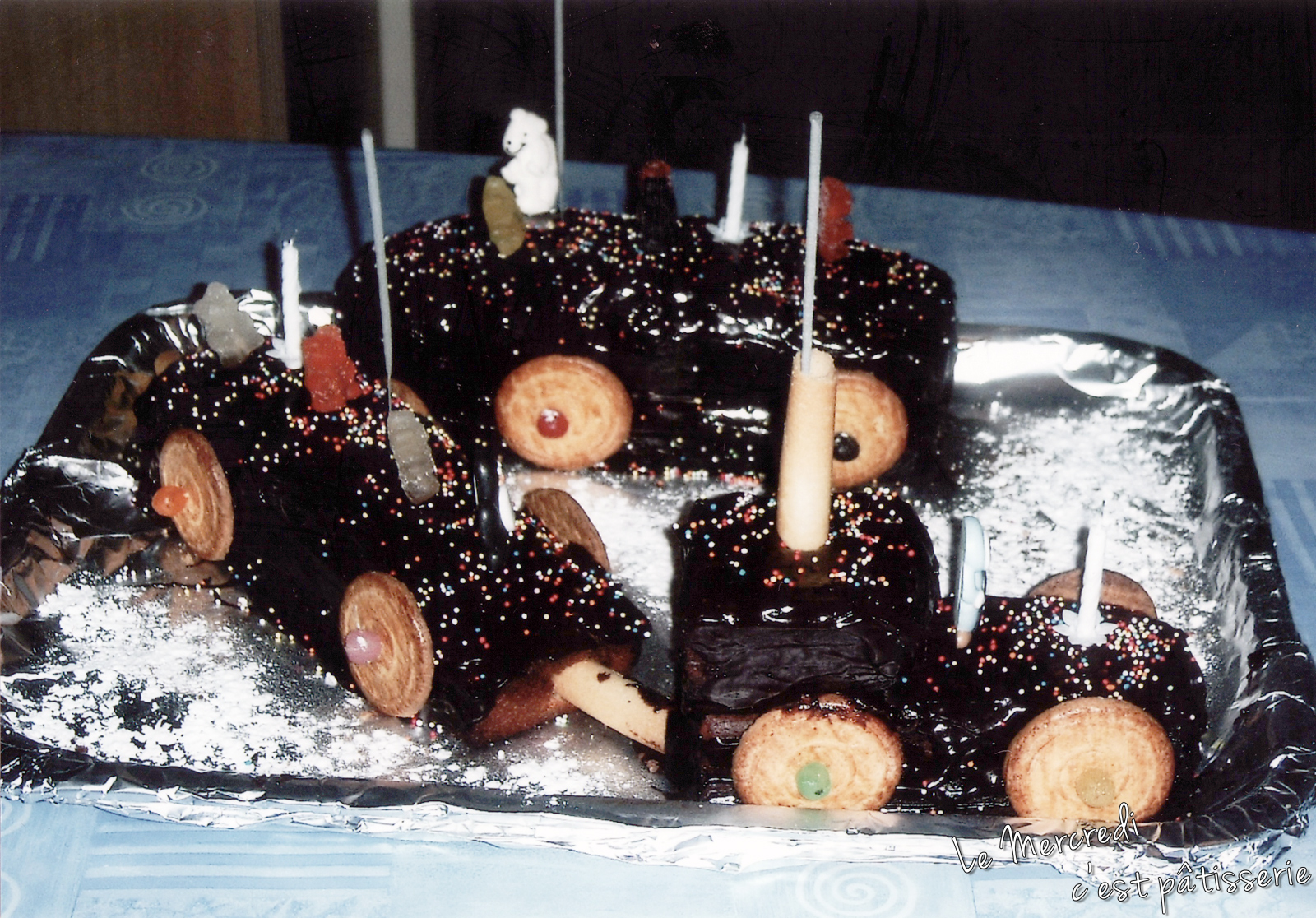 https://le-mercredi-c-est-patisserie.blogspot.com/2011/09/le-petit-train-2005.html