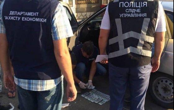У Запорізькій області на хабарі в $2 тисячі затримали заступника мера Кам'янки-Дніпровської