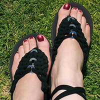 http://www.ohohdeco.com/2012/09/refashioned-flip-flops.html