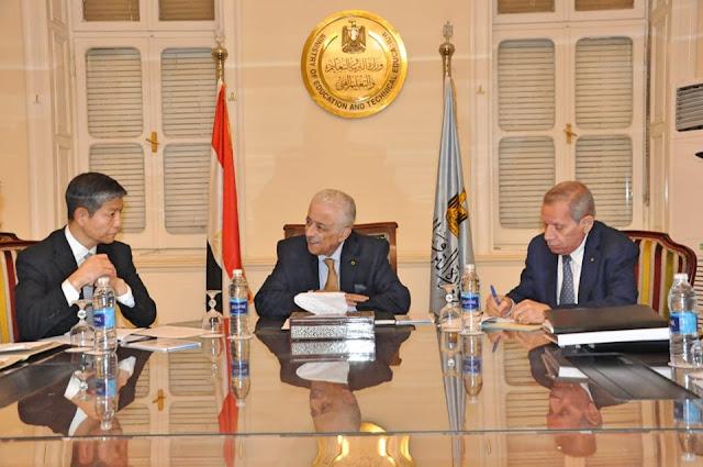 وزير التربية والتعليم يبحث مع سفير الصين بالقاهرة تدريس اللغة الصينية في المدارس المصرية