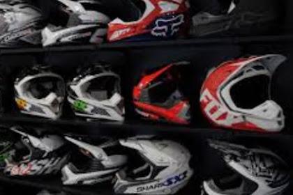 Choosing the right motorcycle helmet